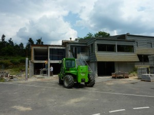Travaux à l'école publique d'Aumont-Aubrac.